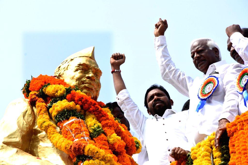 Telangana Deputy Chief Minister Kadiyam Srihari after garlanding the statue of Bapu Jagjeevan Ram on his 111th birth anniversary, in Hyderabad on April 5, 2018. - Kadiyam Srihari