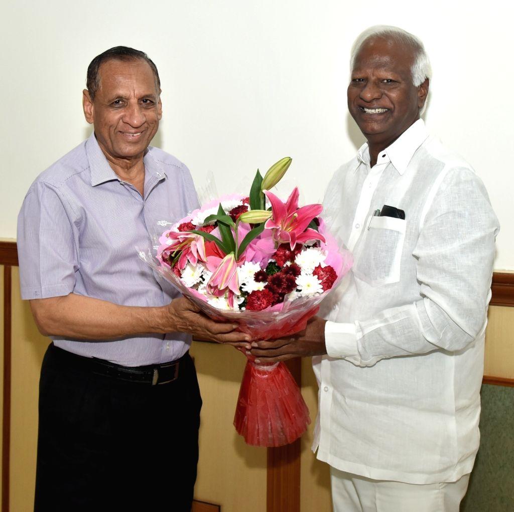 Telangana Deputy Chief Minister Kadiyam Srihari calls on Governor E.S.L. Narasimhan, at Raj Bhavan in Hyderabad on May 21, 2018. - Kadiyam Srihari