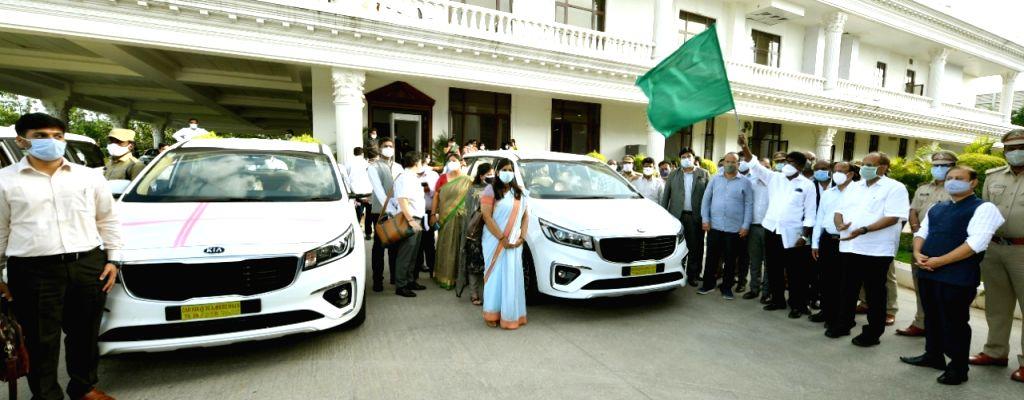 Telangana gifts 32 Kia cars to Additional Collectors