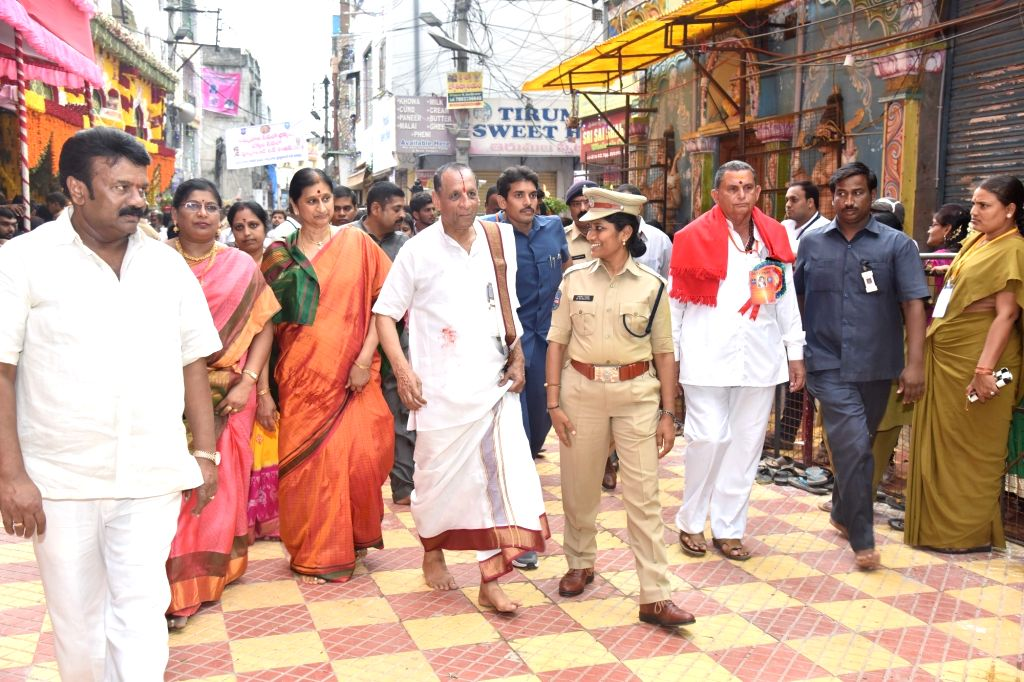 Telangana Governor E. S. L. Narasimhan visits Ujjaini Mahankali Temple in Secunderabad, on July 9, 2017.