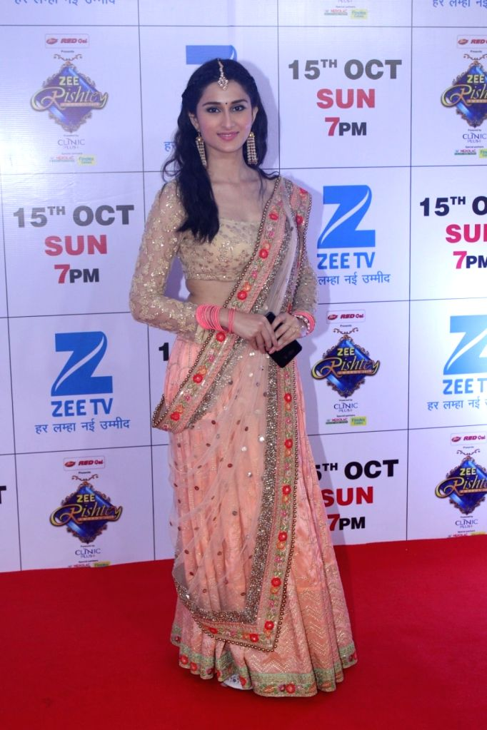 """Telelvision actress Sheen Dass during the red carpet of the grand celebration of """"Zee Rishtey Awards"""" 2017 in Mumbai on Sept 10, 2017. - Sheen Dass"""