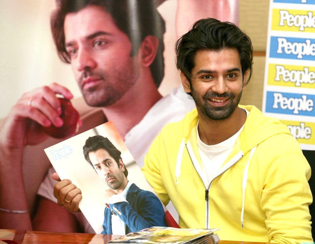 Television actor Barun Sobti poses during the meet and greet session with his fans and media in Mumbai on Thursday 23rd May 2013. (Photo: IANS) - Barun Sobti