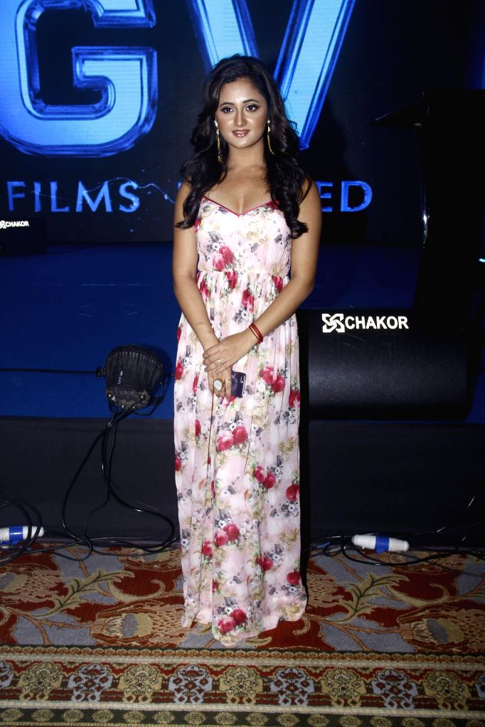 Television actor Rashmi Desai during the 25 years celebration of G.V Films and launch of its new website, in Mumbai on Aug 01, 2015. - Rashmi Desai