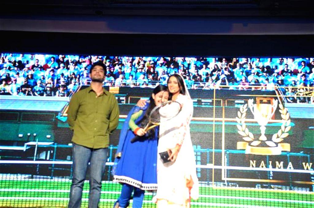 Television actors Hussain Zaidi, Ashnoor Kaur and Barkha Sengupta during the launch of Multi Screen Media (MSM) new Hindi general entertainment channel Sony Pal in Mumbai on August 7, 2014. - Hussain Zaidi, Ashnoor Kaur and Barkha Sengupta