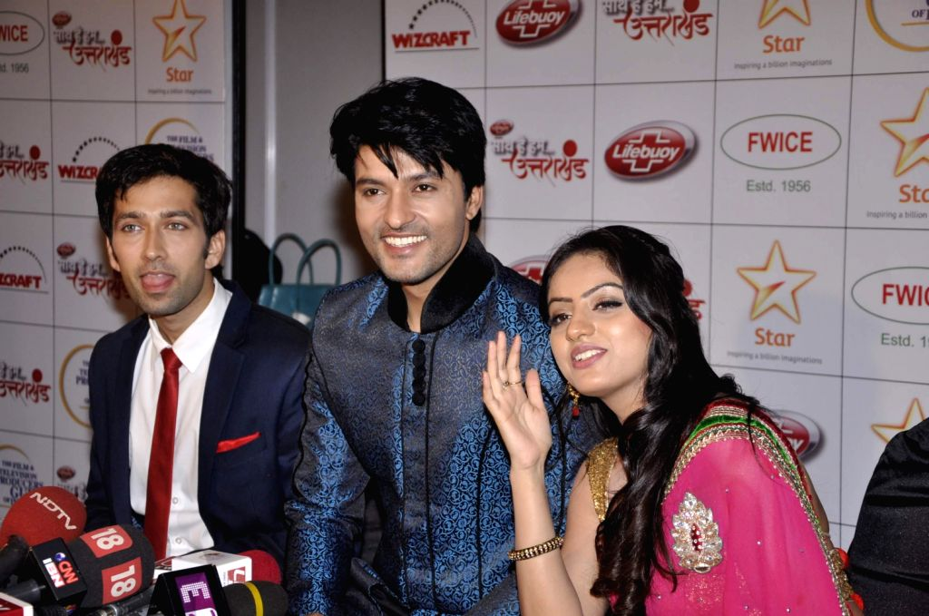 Television actors Nakuul Mehta, Anas Rashid and Deepika Singh during the Star India`s `Saath Hain Hum Uttarakhand` 7-hour programme in Mumbai on August 15, 2013. (Photo::: IANS) - Nakuul Mehta, Anas Rashid and Deepika Singh