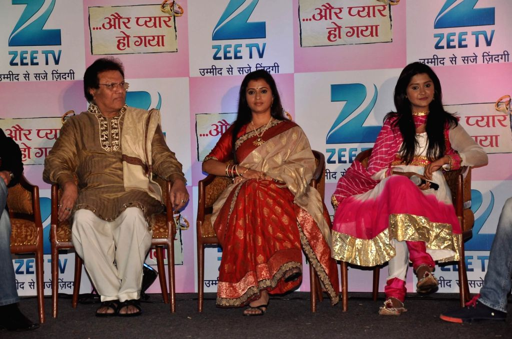 Television actors Rajeev Verma, Kanchi Singh and Reena Kapoor during the press conference of Zee TV's new show, Aur Pyaar Ho Gaya in Mumbai on December 20, 2013. - Rajeev Verma, Kanchi Singh and Reena Kapoor