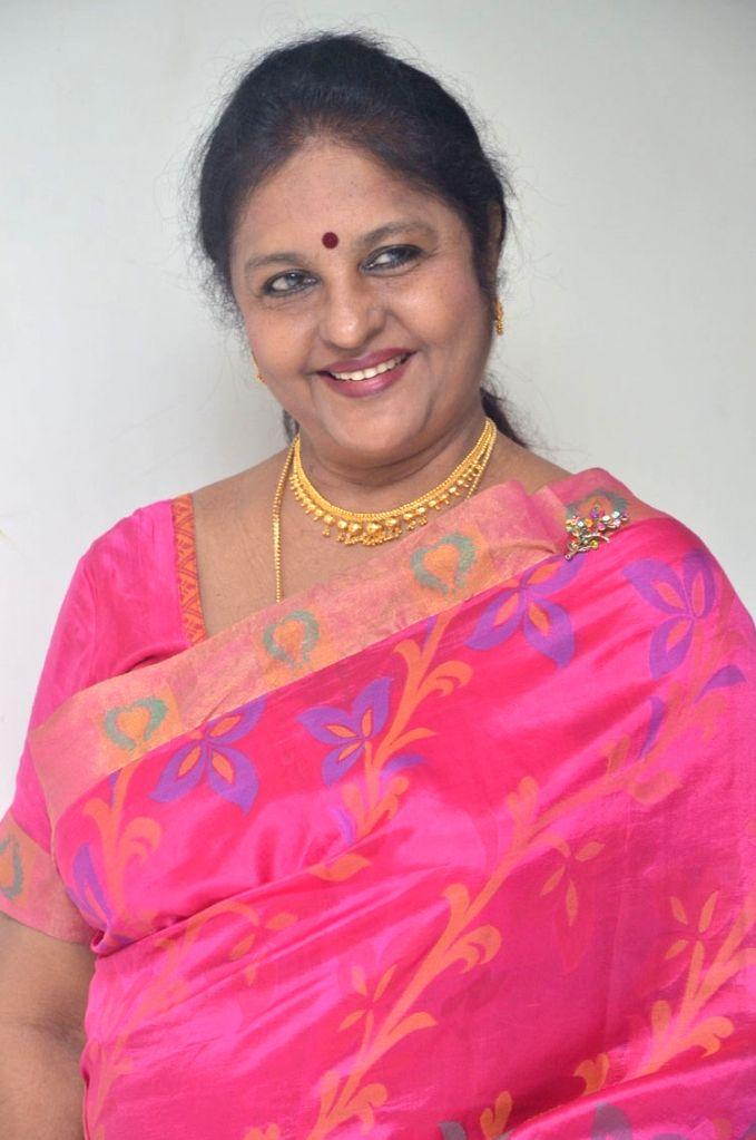 Telugu film Mutyala Muggu heroine Sangeetha's press meeting.