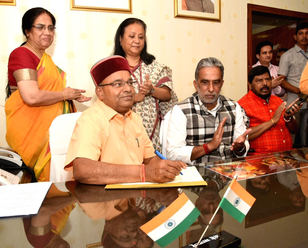 Thaawar Chand Gehlot takes charge as the Union Social Justice and Empowerment Minister, in New Delhi on June 4, 2019.