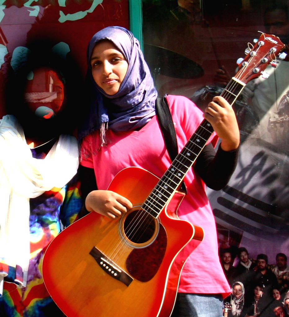 The all -girl rock band 'Pragaash' in Kashmir has quit singing after the Grand Mufti issued a fatwa terming singing as un-Islamic. The band Pragaash (morning light) comprising three Class .. - Mufti