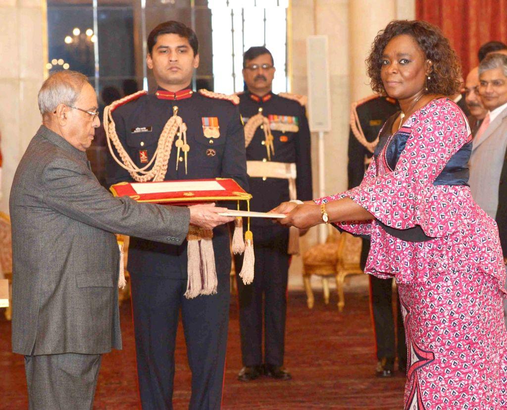 The Ambassador-designate of the Democratic Republic of Congo. Mossi Nyamale Rosette presents her Credentialto the President Pranab Mukherjee, at Rashtrapati Bhavan, in New Delhi on Dec 7, ... - Pranab Mukherjee