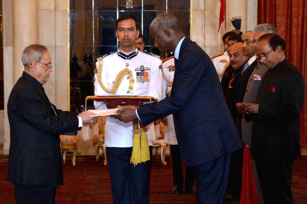 The Ambassador designate of the Republic of Senegal in India,  H.E. El Hadji lbou Boye presents his credentials to President Pranab Mukherjee during a programme at Rashtrapati Bhawan in New Delhi, on ... - Pranab Mukherjee