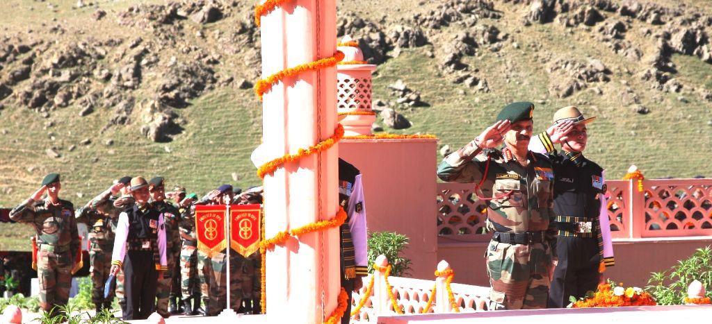 The Chief of Army Staff, General Dalbir Singh pays homage to the Kargil Martyrs on the occasion of Kargil Vijay Diwas at Kargil War Memorial in Drass on July 25, 2015. - Dalbir Singh