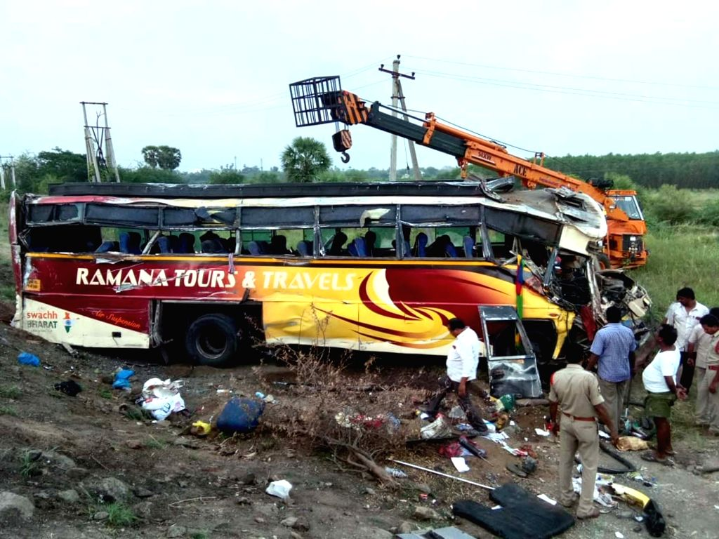 30 injured in a bus accident in Andhra Pradesh