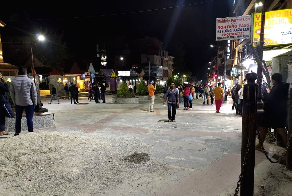 The deserted Mall Road, the popular strolling street for the tourists in Manali, amid the coronavirus scare. (Photo: Vishal Gulati)
