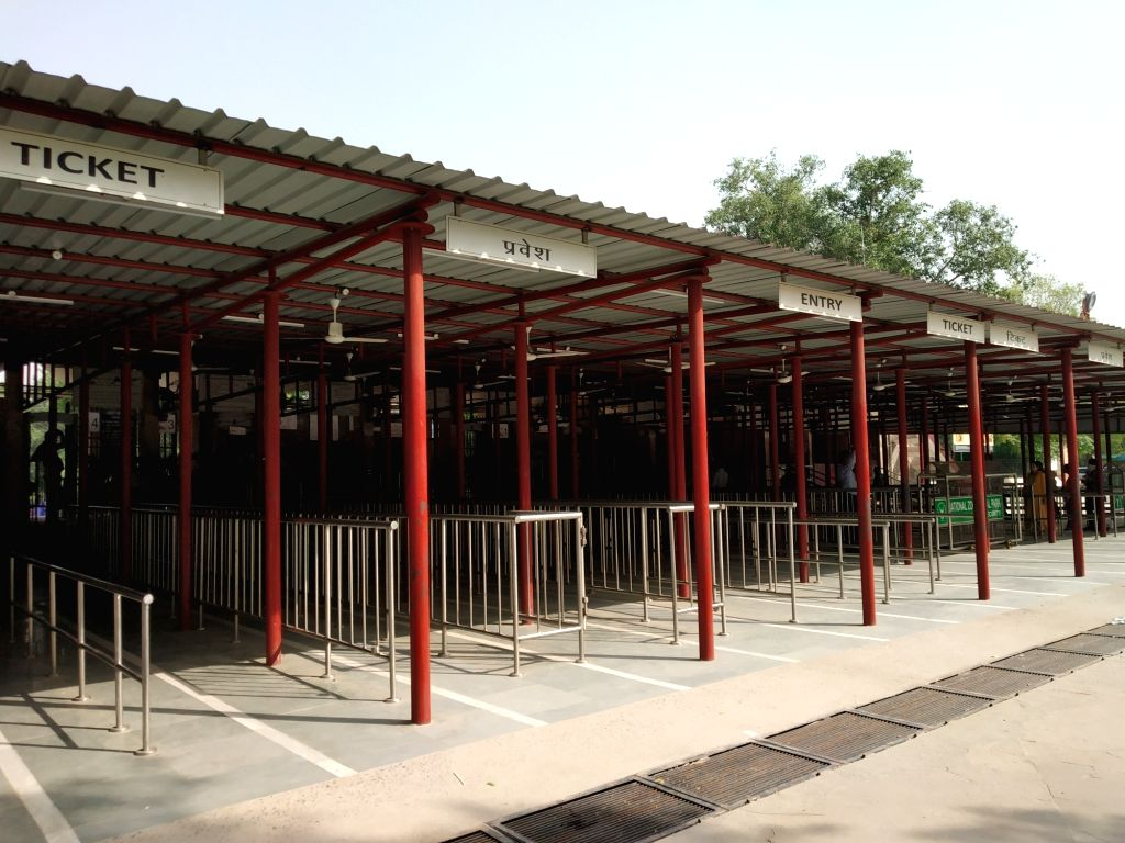 The empty ticket counters at National Zoological Park in the wake of heatwave during which the temperatures soared to 42 degrees, in New Delhi on June 1, 2019.