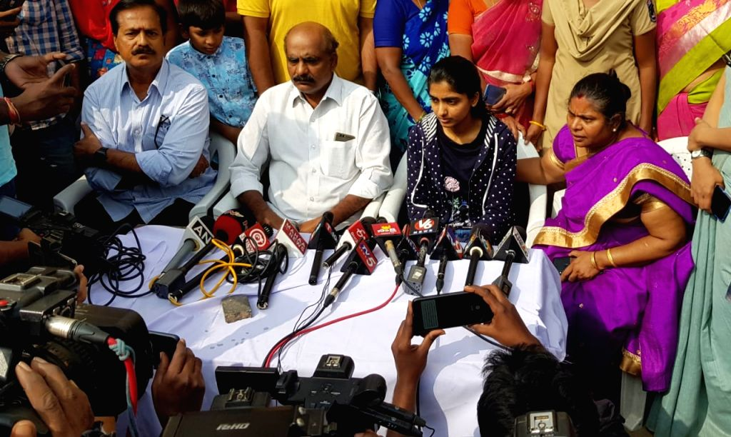 The family members of the young veterinarian who was brutally gang raped and murdered, talk to the media after the police shot dead all the four accused in an alleged 'encounter' near ... - Ranga Reddy