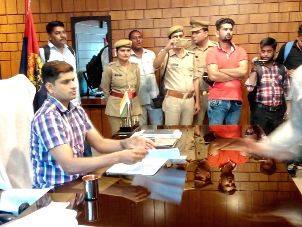 Shyampur Jatt residents meets Hapur SP
