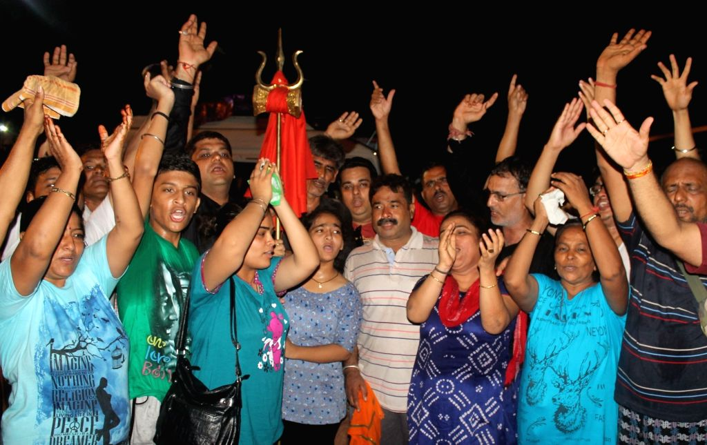 The first batch of 1,138 pilgrims leave Jammu on for this year's Amarnath Yatra that begins from July 2nd, 2016. There are 900 males, 225 females and 13 children in the first batch which left ...