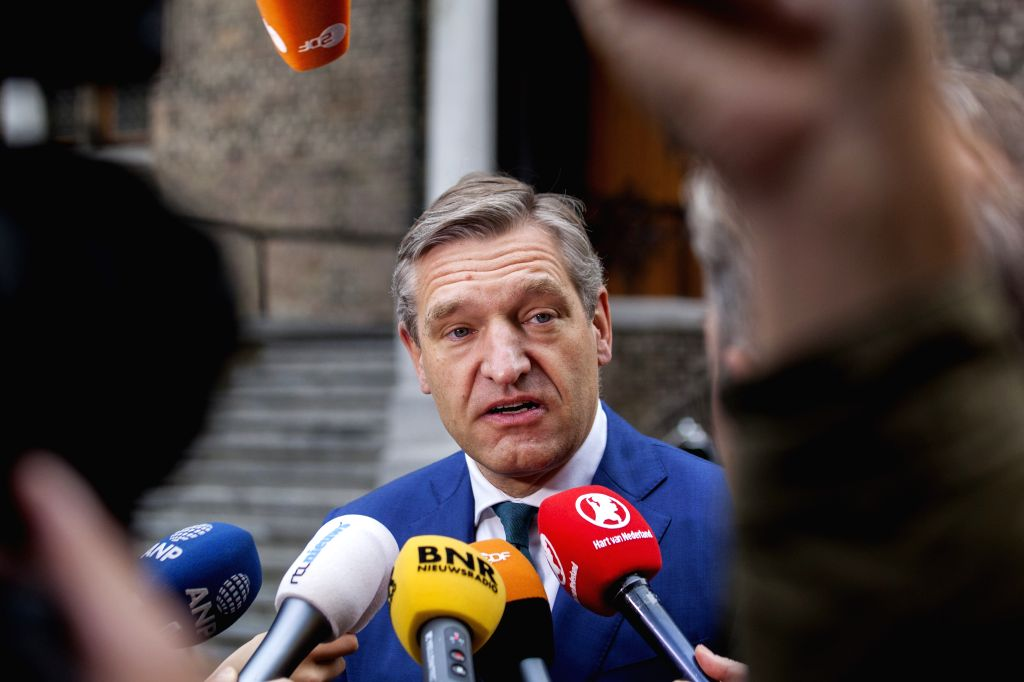 THE HAGUE, Oct. 10, 2017 - Sybrand Buma, leader of the Christian democrats CDA, talks to journalists in The Hague, the Netherlands, Oct. 10, 2017. The parliamentary groups of the four parties that ... - Mark Rutte
