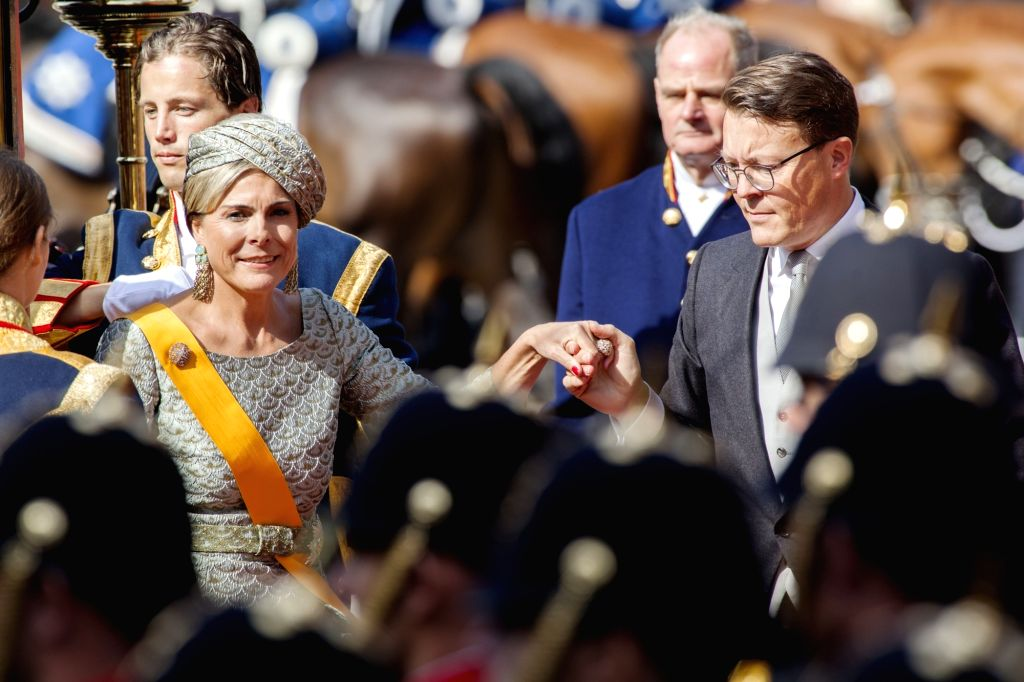 THE HAGUE, Sept. 19, 2017 - Dutch King Willem-Alexander (R, front) and Queen Maxima (L, front) walk towards the Hall of Knights in The Hague, the Netherlands, Sept. 19, 2017. The traditional opening ...