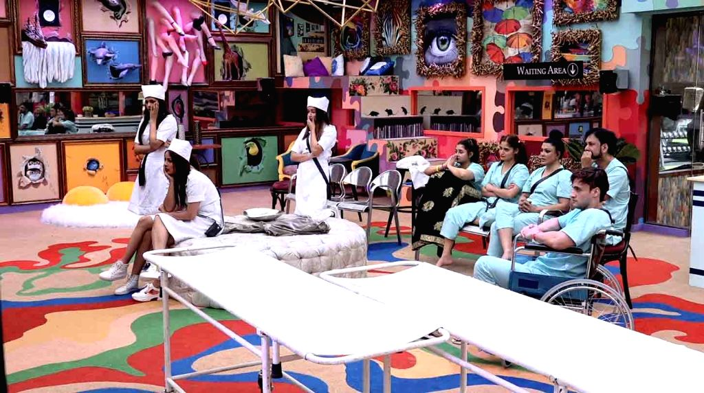 "The heat is on in the ""Bigg Boss"" house, which turned into a hospital for a luxury task."
