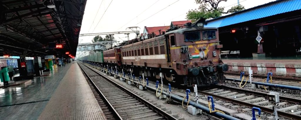 The Indian Railways, which is providing meals to the needy across the country, has also started providing 10,000 litre free water to the Delhi Police personnel deployed to combat the spread of novel coronavirus (Covid-19). (Photo: IANS)