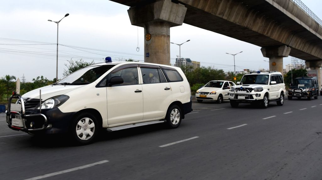 The Inter-ministerial Central Team (IMCT) deployed to Kolkata for assessing the situation related to Covid-19 management and the ongoing lockdown drove through various parts of the city, ...