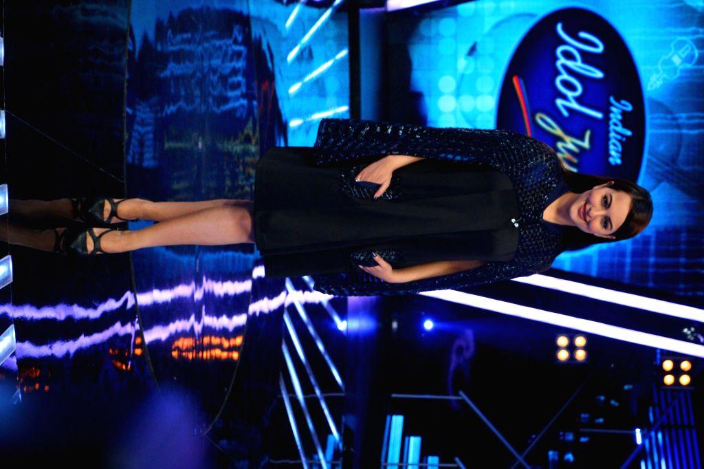 The judge of ``Indian Idol Junior`` Sonakshi Sinha on the sets of ``Indian Idol Junior`` in Mumbai. on Aug 17, 2015. - Sonakshi Sinha