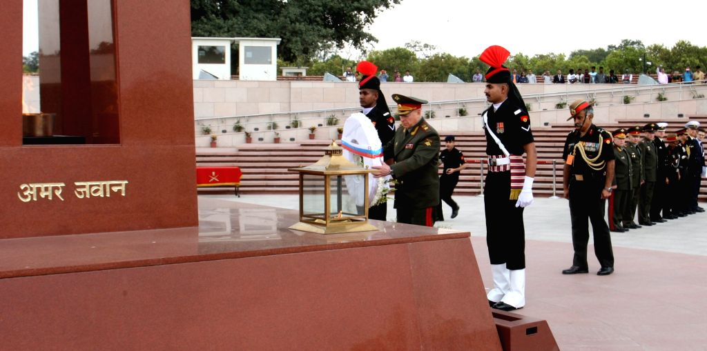 The Land Forces Cdr. Russian Federation, Col. Gen. Salyukov Oleg Leonidovich lays wreath at National War Memorial, in New Delhi on March 14, 2019.