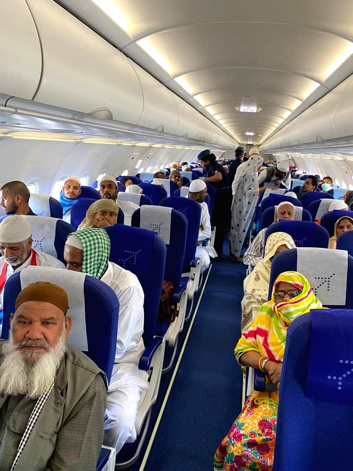 The last batch of Indian Umrah pilgrims returning home from Jeddah on a special Indigo aircraft (Photo:  Indian Consulate General in Jeddah)