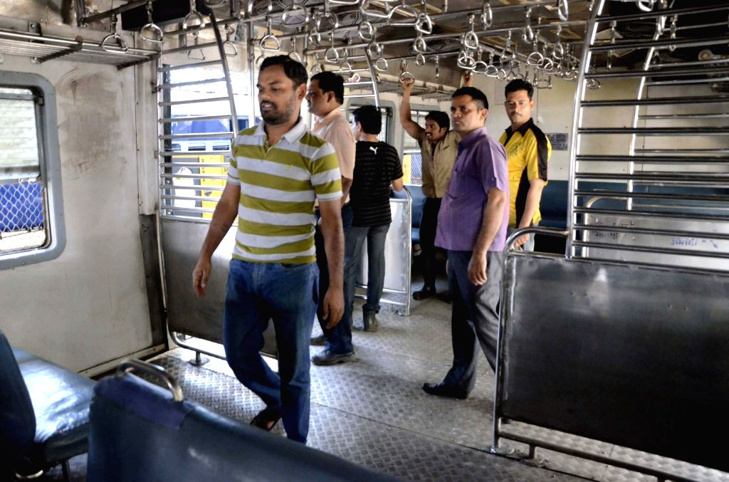 The Maharashtra government on Wednesday reiterated its plea to the Centre to restart suburban train services, the lifeline of Mumbai, for people engaged in providing emergency services. (Photo: IANS)