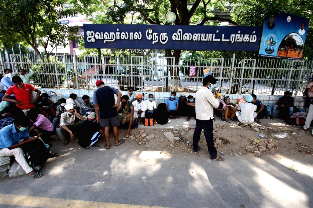 The major industries employing migrant labourers in Tamil Nadu are not in a hurry to bring them and are adopting a wait and watch approach, said the industry players. (File Photo: IANS)