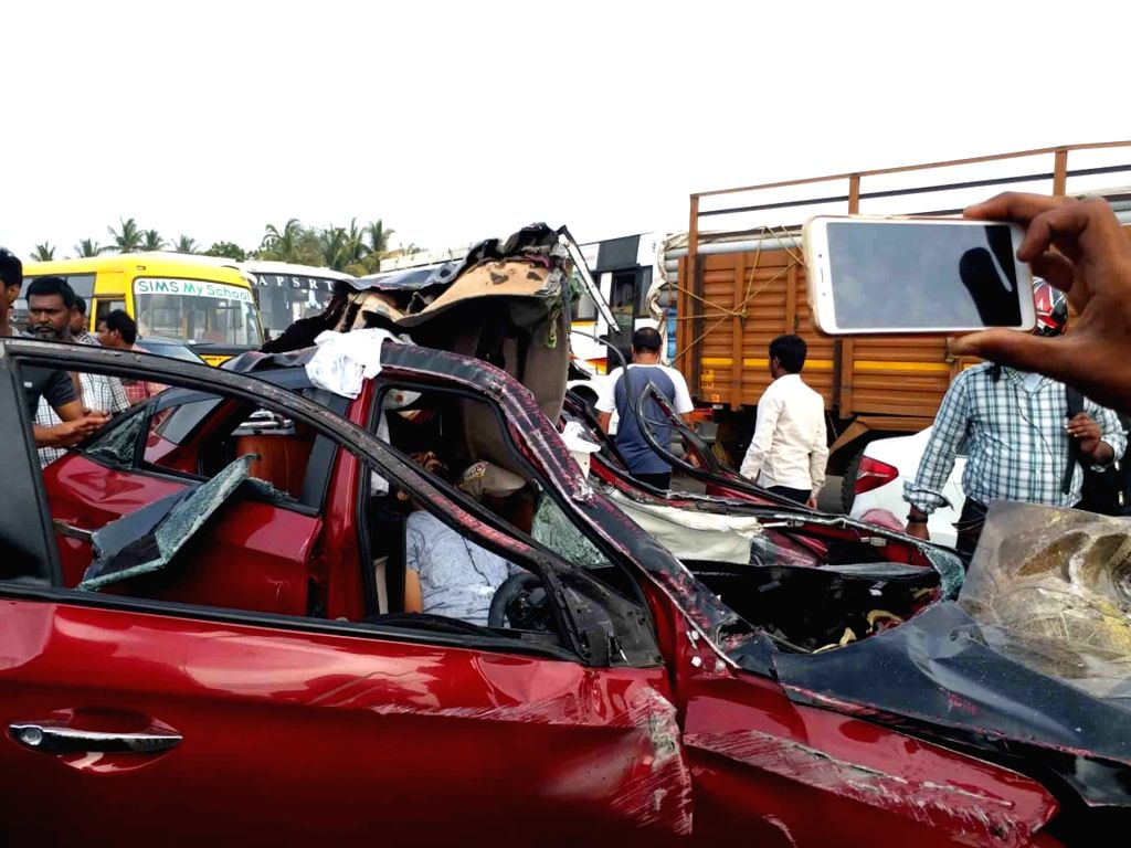 3 killed in an accident on Kaza Road