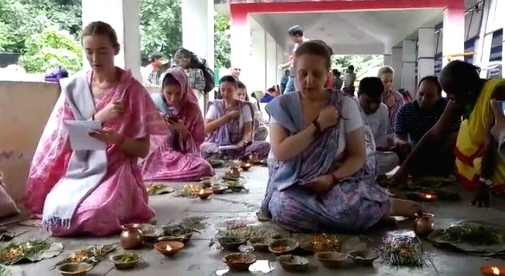 The 'Mokshasthali', best known for providing salvation to ancestors and forefathers, is now being practiced by foreigners in Gaya of Bihar to offer peace to the souls of their forefathers and to attain salvation. On Wednesday, six women from Russia p
