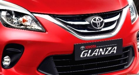 The new Toyota Glanza comes with LED Projector Headlamps with DRL, UV Protect Glass, Electric Fold ORVMs with Auto Fold Function, Electro-chromic IRVM Adjustable light intensity, ensuring safer drive.