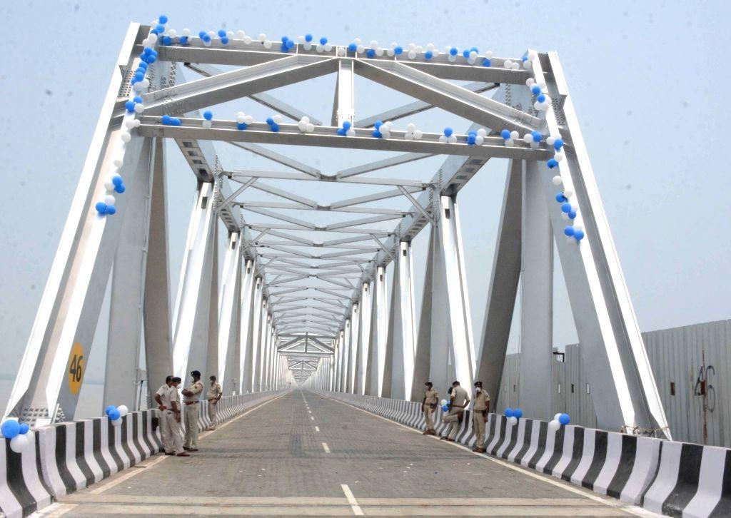 The newly inaugurated rehabilitated western flank of the Mahatma Gandhi Setu over the Ganga river between Patna and Hajipur, in Patna on July 31, 2020. - Gandhi Setu