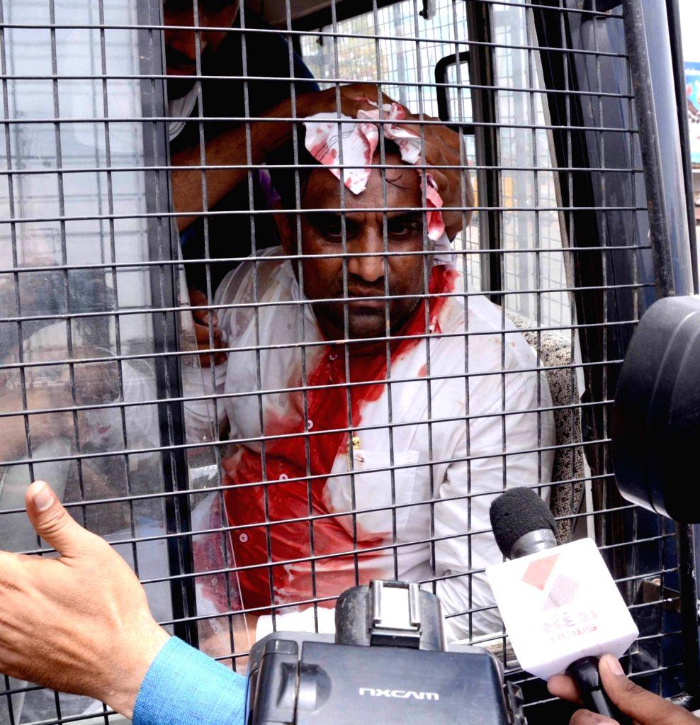 """The president of Sardar Patel Group (SPG) Laljibhai Patel after getting injured during """"Jail Bharo Andolan"""" in Mehsana of Gujarat on April 17, 2016. - Sardar Patel Group and Laljibhai Patel"""