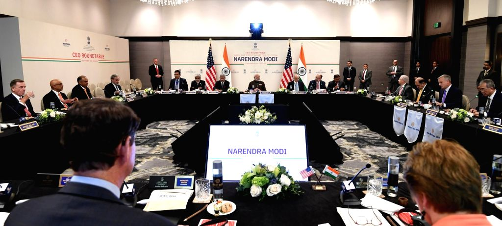 The Prime Minister, Shri Narendra Modi in a meeting with the CEOs from the energy sector, in Houston, USA on September 21, 2019. - Shri Narendra Modi