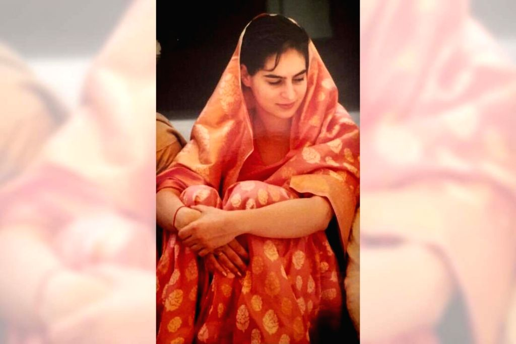 The #SareeTwitter trend that has been viral for the past couple of days got a huge boost on Wednesday after Congress General Secretary PriyankaGandhi Vadra shared a throwback picture from her wedding day. (Photo: Twitter/@priyankagandhi)