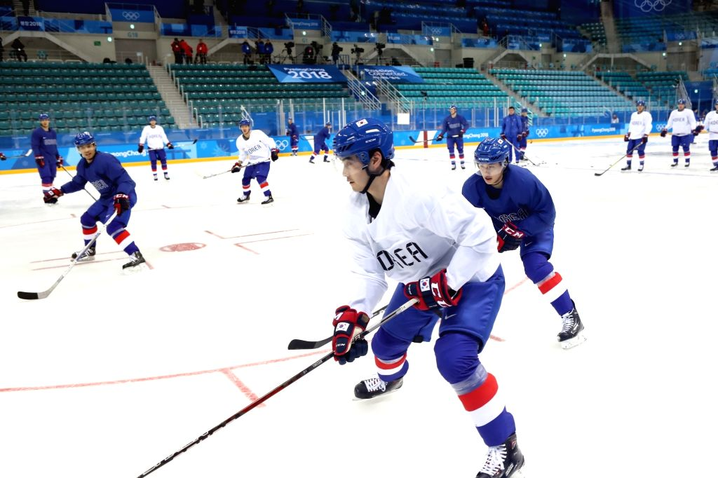 The South Korean men's ice hockey team practices at Gangneung Hockey Center in Gangneung on Feb. 12, 2018, ahead of its Olympic debut in a preliminary against the Czech Republic on Feb. 15.