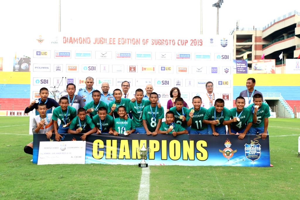 The Sub-Junior U 14 Boys team of Saidan Secondary School, Mizoram after defeating the team of Unique Model Academy, Manipur in Subroto Cup International Football tournament, in New Delhi ... - Academy