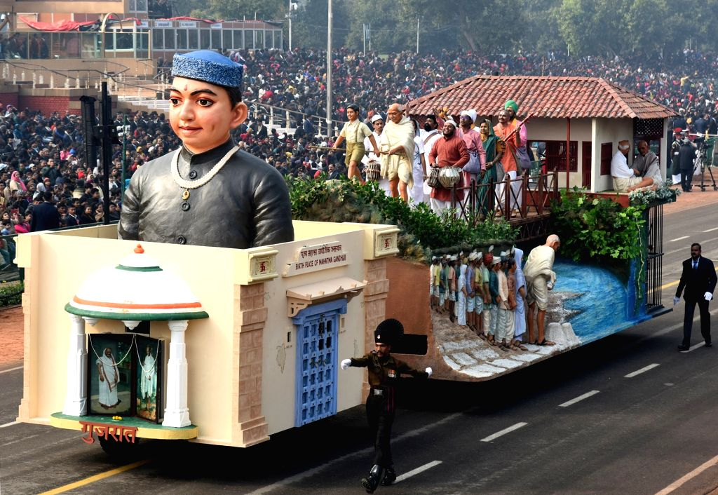 The tableau of Gujarat during the full dress rehearsals of 2019 Republic Day parade at Rajpath in New Delhi, on Jan 23, 2019.