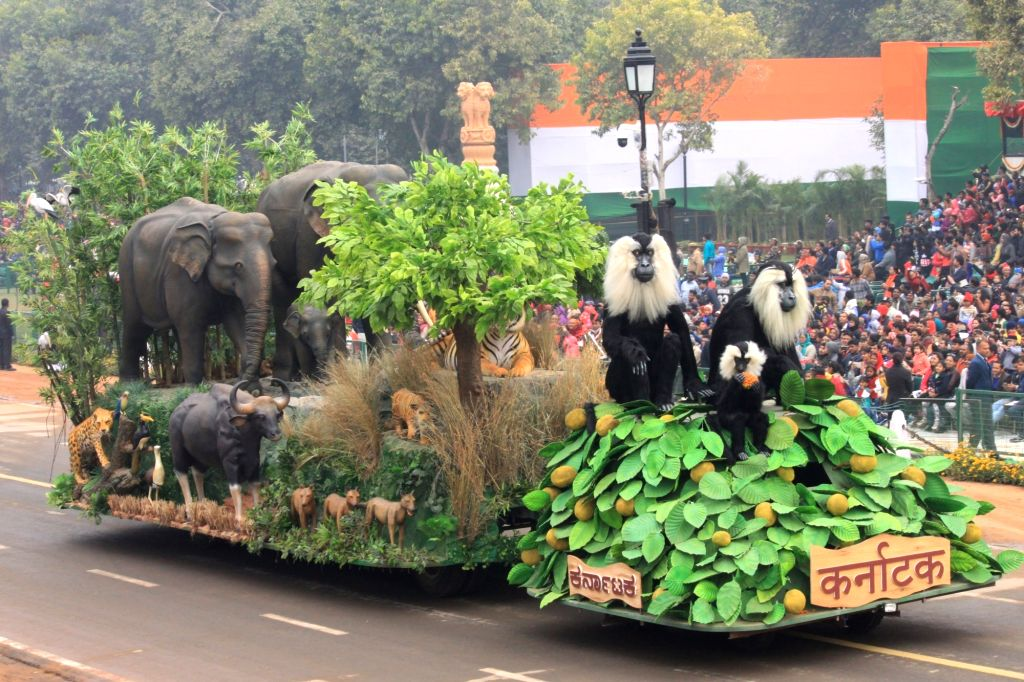 The tableau of Karnataka passes through Rajpath during the full dress rehearsal for Republic Day Parade-2018 in New Delhi on Jan 23, 2018.