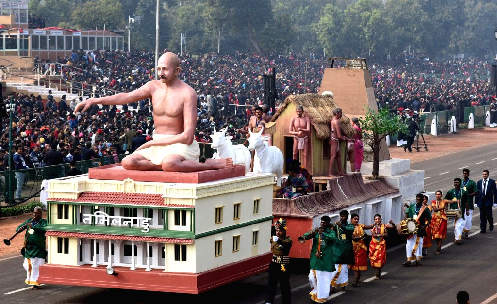 The tableau of Tamil Nadu during the full dress rehearsals of 2019 Republic Day parade at Rajpath in New Delhi, on Jan 23, 2019.