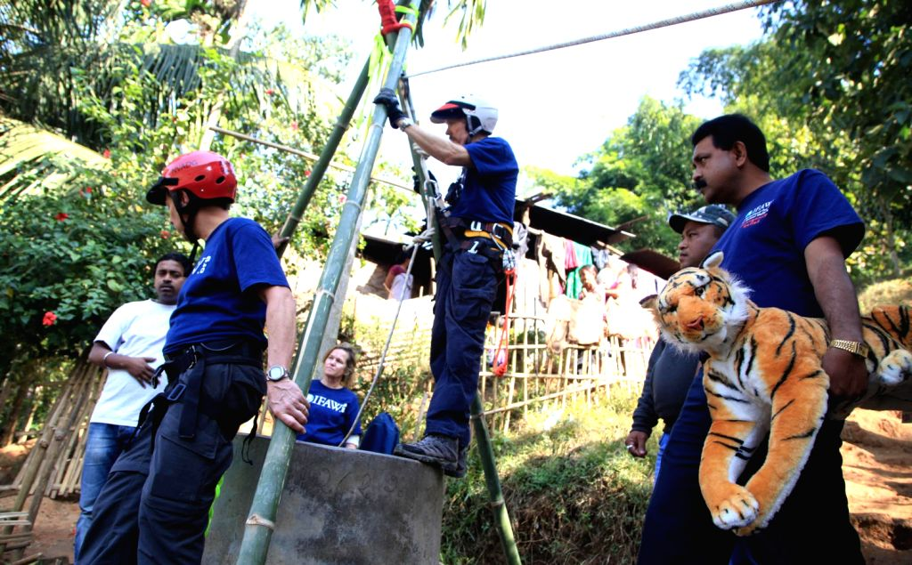 The technical rescue experts of International Fund for Animal Welfare - Wildlife Trust of India (IFAW-WTI) demonstrate practical hands-on exercises on animal rescue during `Disaster Relief Workshop ..