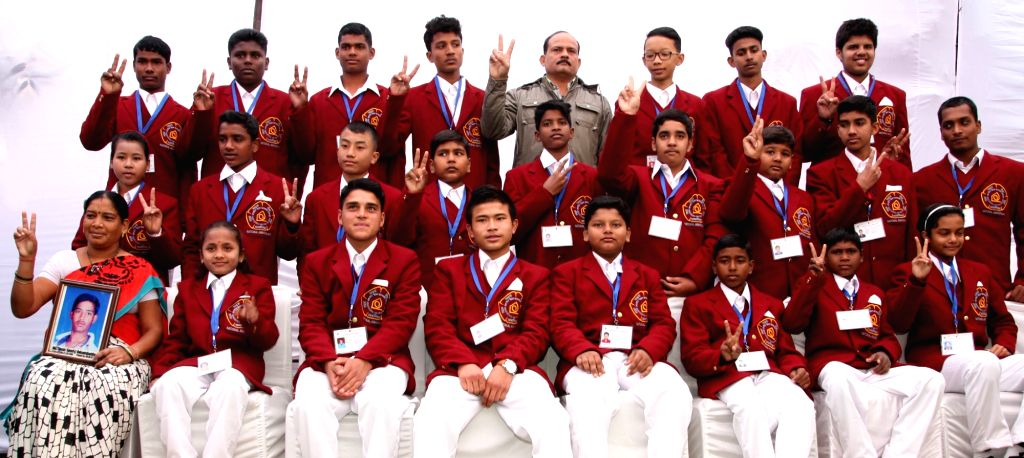 The Winners of the National Bravery Awards-2015, at a function, in New Delhi on Jan 18, 2016.