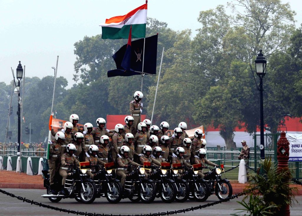 The women brave hearts of Border Security Force during the full dress rehearsal for the Republic Day Parade 2018, in New Delhi on Jan 23, 2018.