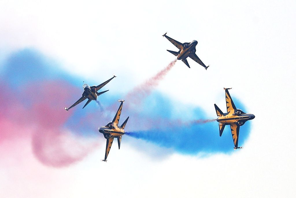 The world-renowned Black Eagles acrobatic flight team of South Korea performs in Seongnam, south of Seoul, on June 24, 2017, during the preliminary rounds of Space Challenge 2017.