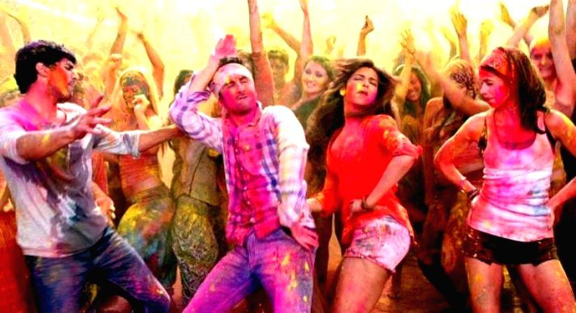This Holi dress Bollywood.(photo:ianslife)