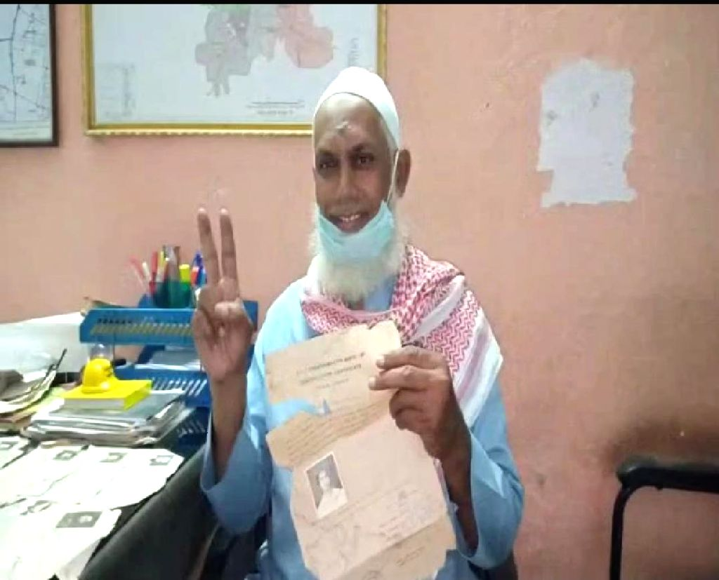 This Hyderabadi finally passes Class 10 after 33 years .